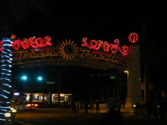 Hampton Inn Panama City Beach: Five minute drive to Pier Park - best shopping in Bay County!