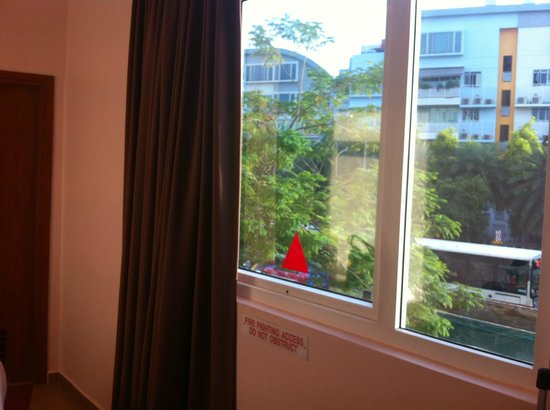 Fragrance Hotel - Ocean View: rm 201 with window