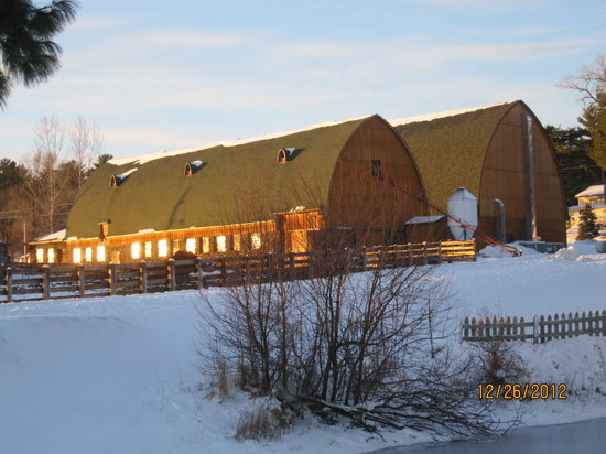 Woodside Ranch Resort: The barns