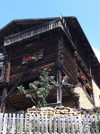 Hotel Castel : Traditional House Nearby