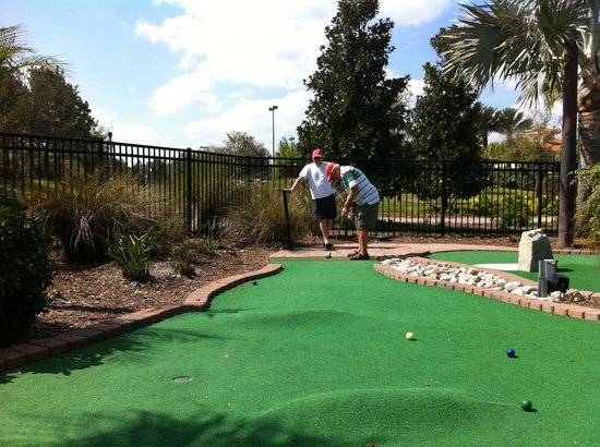 Holiday Inn Club Vacations Orlando - Orange Lake Resort: Mini golf on grounds