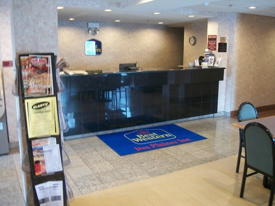BEST WESTERN Des Plaines Inn: FRONT DESK