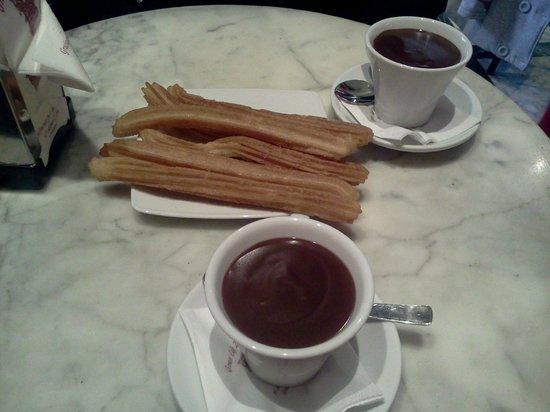 Gran Cafe: chocolate and churros