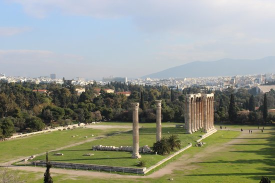The Athens Gate Hotel: Temple of Zeus view from top floor