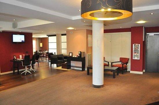 Appart'City Confort Genève Divonne-les-Bains: Park&Suites Prestige Divonne les Bains - Lobby