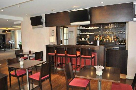 Appart'City Confort Geneve Divonne-les-Bains: Park&Suites Prestige Divonne les Bains - Bar