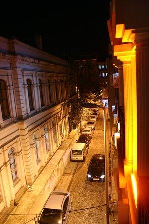 Nowy Efendi Hotel: La calle del hotel