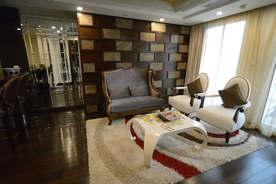 Golden Silk Boutique Hotel: lounge of presidential suite