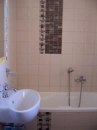 Il Dammuso vacanze short lets: Bathroom 4