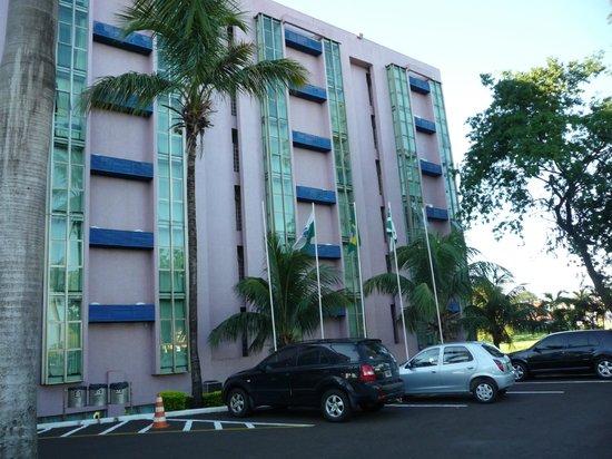 Falls Galli Hotel: Frente del hotel....