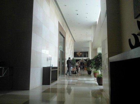 Holiday Inn Pune Hinjewadi: Hotel Reception Lobby