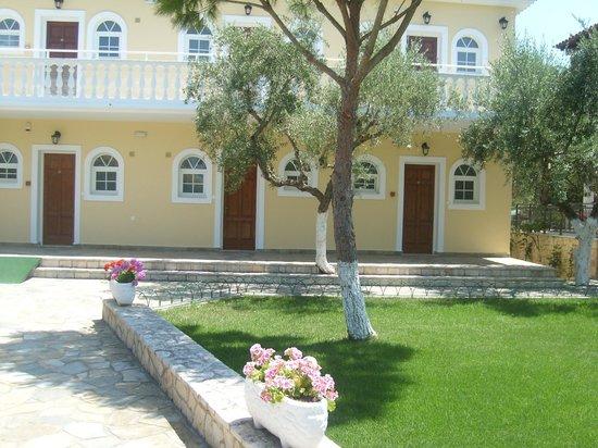 Mavrias Village Apartments 사진
