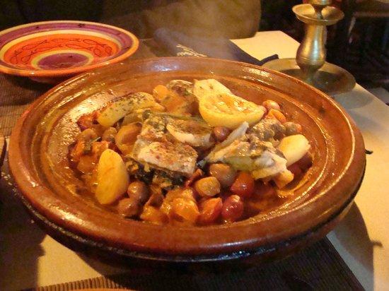 Hotel Les Matins Bleus: délicieux tajine au poisson
