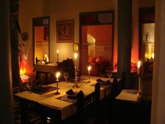 Hotel Les Matins Bleus: un cadre très agréable pour un repas romantique