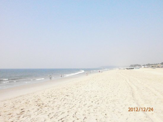 Left side view of Candolim Beach