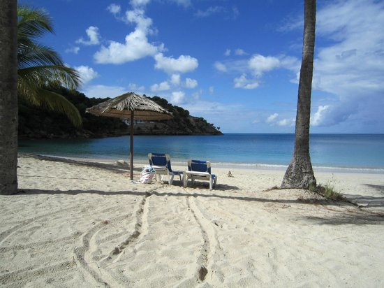 Grand Royal Antiguan Beach Resort: Beach at the Royal Antiguan