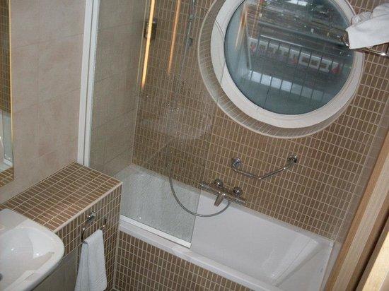 Novotel Brussels Midi Station: il bagno