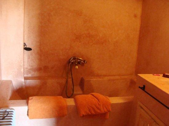 Riad Minorisa: salle de bain chambre Tshin
