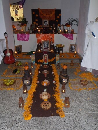 Capella Ixtapa: Day of the Dead Altar