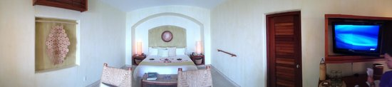 Cala de Mar Resort & Spa Ixtapa: Oceanfront Junior Suite Interior
