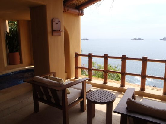 Capella Ixtapa: Oceanfront Junior Suite Terrace