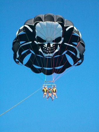 ‪Pirate Parasailing & Watersports‬