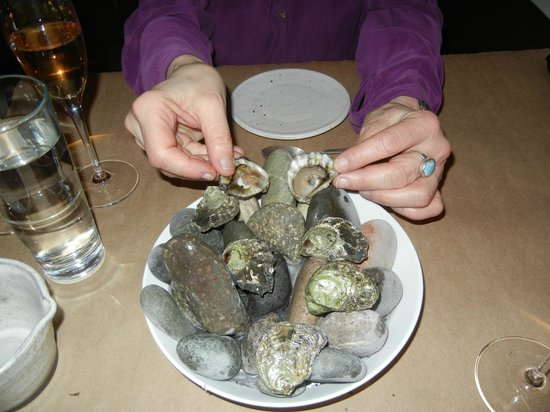 Willows Inn Restaurant: Olympia Oysters