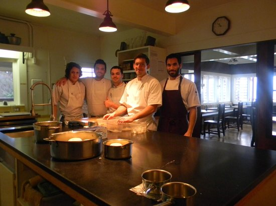 Willows Inn Restaurant: Chef Blaine Wetzel (2nd from right) & crew