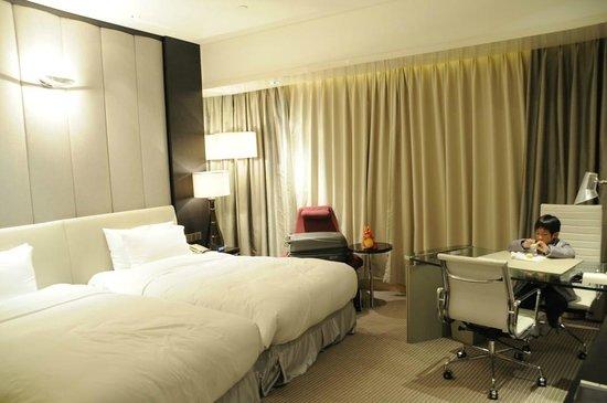 Hotel Nikko Shanghai: Bedroom of 820