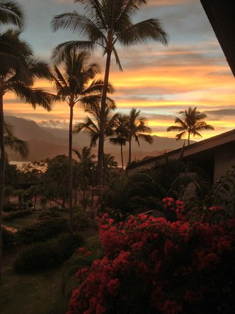 Hanalei Bay Resort: sunset from lanai