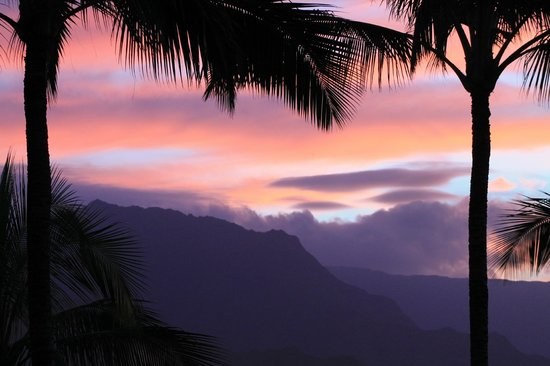 Hanalei Bay Resort: sunset overlooking Hanalei Bay