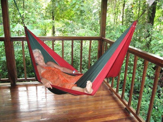 Selva Verde Lodge : Relexing in the hammock
