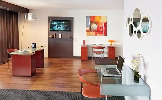 Appart'City Confort Grenoble Alpexpo : Park&Suites Elegance Grenoble Alpexpo - Prestige Suite