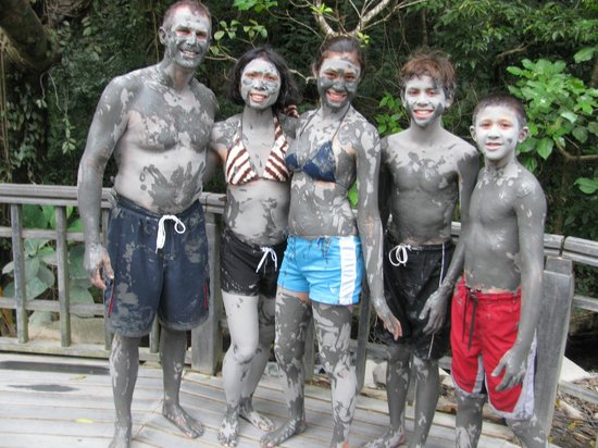 Bill Beard's Costa Rica: Mud pits at Hacienda Guachepein