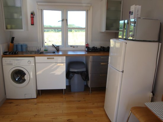 Leyland Country House: Kitchen - no cooker