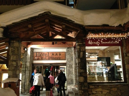 Chalet Hotel Le Val d'Isere: Hotel entrance