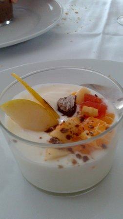 Restaurante Hotel Rio Piedra: Chiquito de yogurt con fruta