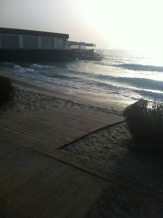 دبي مارين بيتش ريزورت آند سبا: Beach 