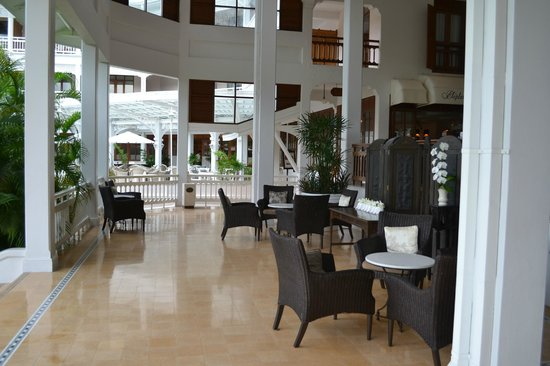 Centara Grand Beach Resort & Villas Hua Hin: Lobby