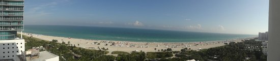 Shore Club South Beach Hotel: 180 degree photo from room balcony