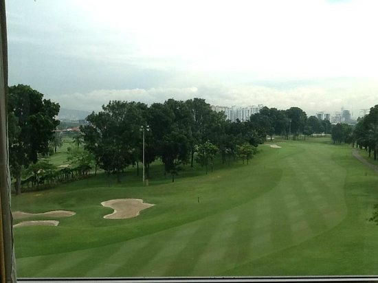 Holiday Inn Kuala Lumpur Glenmarie: View from my room of scenic golf course and KL afar