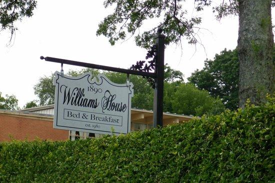 1890 Williams House Inn: Williams House