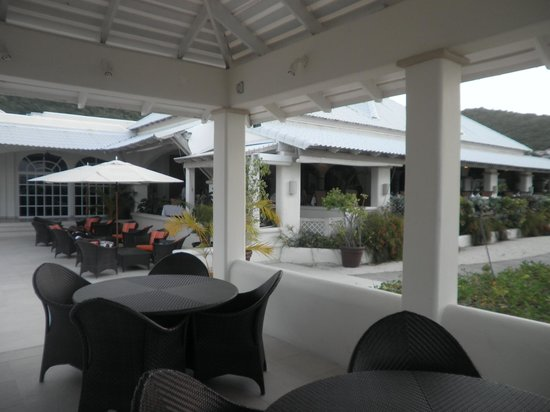 Spice Island Beach Resort: open dining area