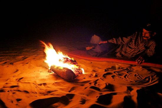 Ahmed Safari Camp & Hotel: with my guide by the campfire