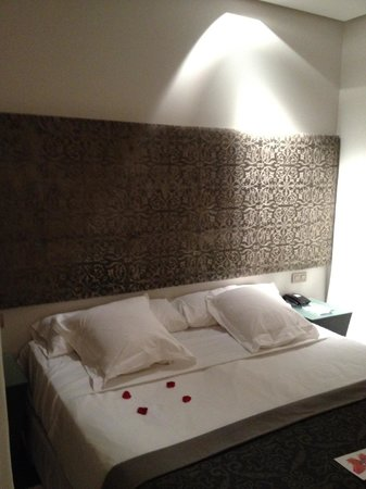 Hospes Palacio del Bailio: bed