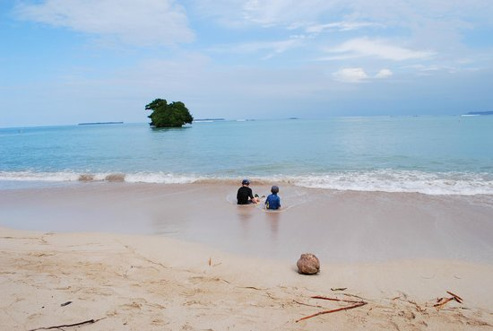 Popa Paradise Beach Resort: and even more stunning beaches (shallow enough for kids)