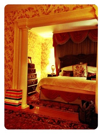 The Inn at Erlowest: our cozy suite