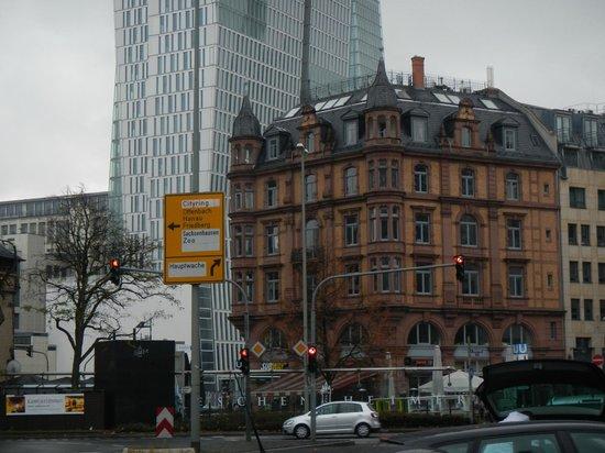Frankfurt on Foot Walking Tours: Architecture in Frankfurt