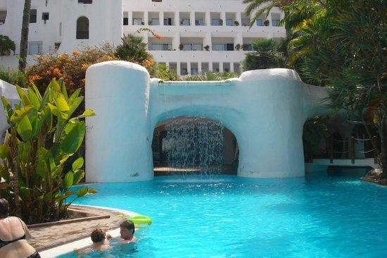 Hotel Jardin Tropical: piscina superiore