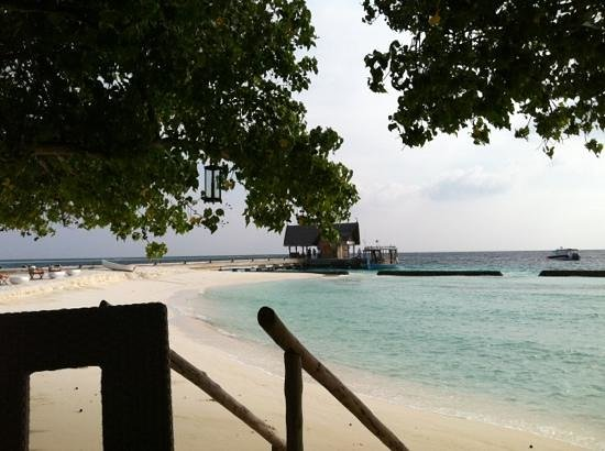 Constance Moofushi: Breakfast-View